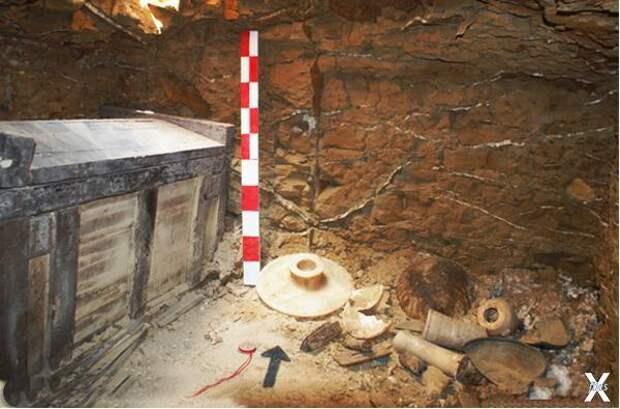 Деревянный саркофаг раннединастическо...