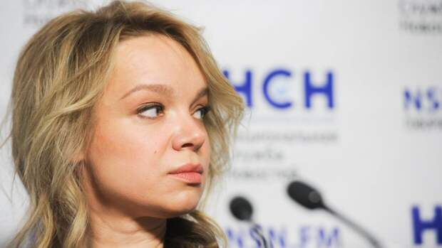 Цымбалюк-Романовская убралась на могиле Джигарханяна перед камерами