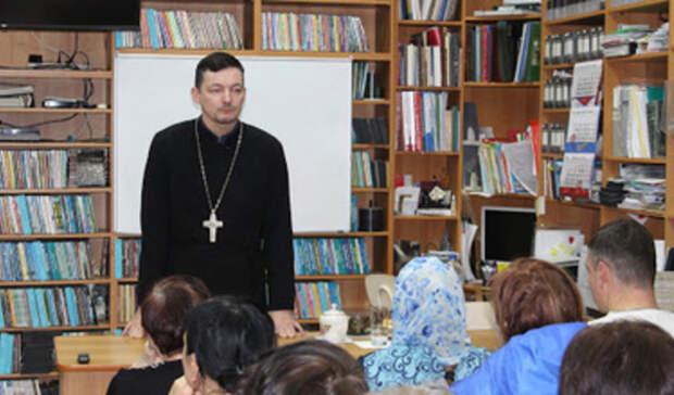 Стали известны новые подробности освященнике-гее вРостовской области