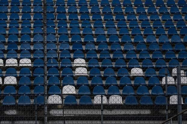 Обрушение трибун со зрителями на стадионе попало на видео