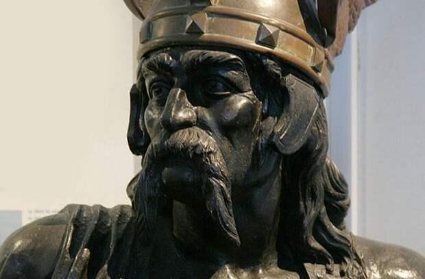 10 великих завоевателей древнего мира, которые оказались забытыми.  10 причудливых осадных тактик и странных образцов оружия в военной истории (2 статьи)