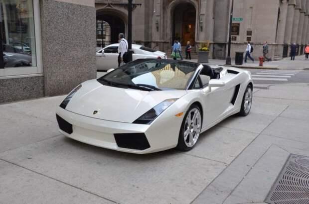 Автомобиль для звезды. |Фото: wallpaperup.com.