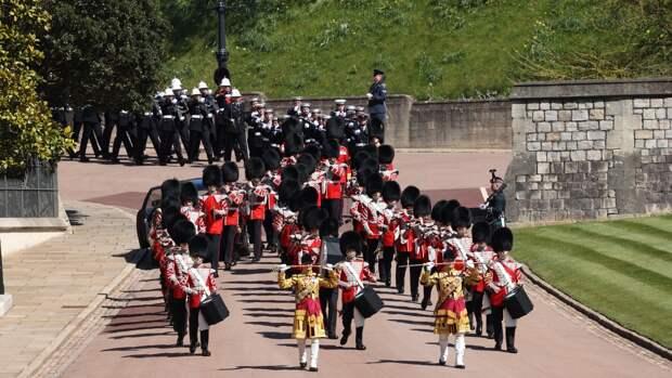 В Оттаве в честь принца Филиппа прозвучал артиллерийский салют