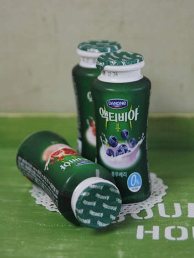 Столик из разделочной доски и пластиковых бутылочек (4) (348x463, 109Kb)