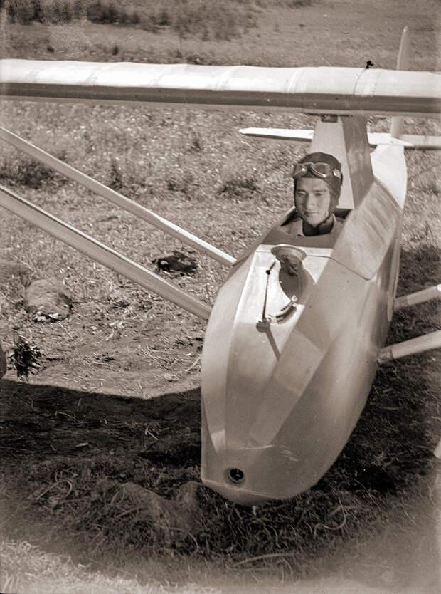 1930s Japanese Glider & Pilot