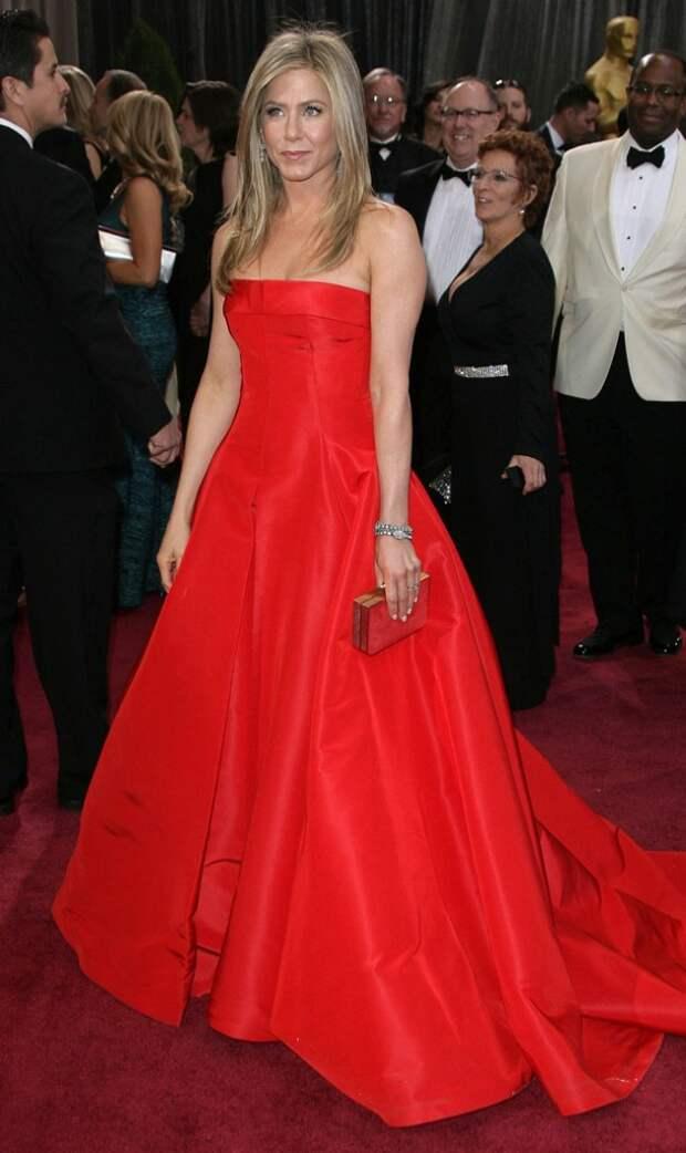 jennifer aniston red dress