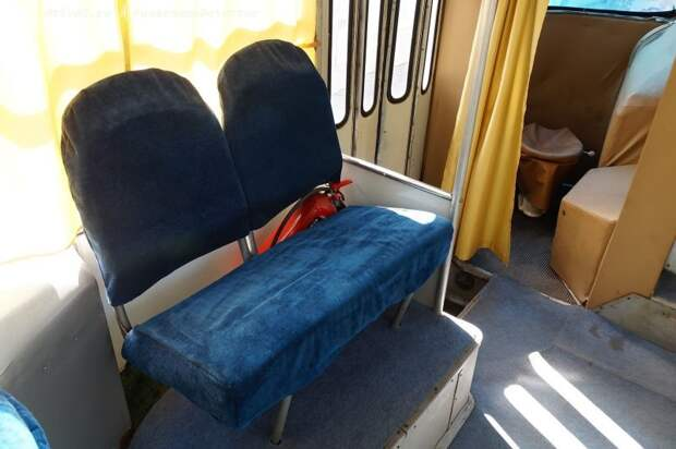 Стандартный диванчик от модели 695 ЛАЗ, авто, автобус, автомир, гагарин, космодром, лаз-695б, юрий гагарин
