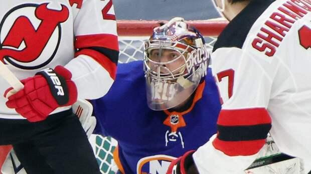Русский вратарь переписал историю хоккейной Америки. Варламов не пропускал 142 минуты — такого не было 6 лет