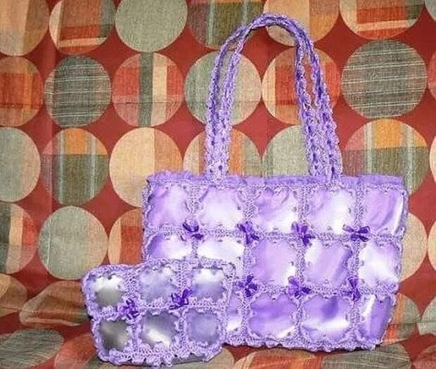 Пластиковые бутылки можно просто выбросить, но мастерицы с золотыми ручками делают из них необычные и практичные сумки!