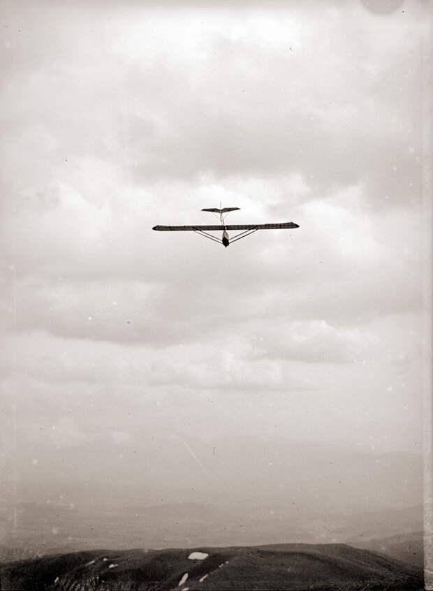 Glider in Flight at Kirigamine, 1930s Japan