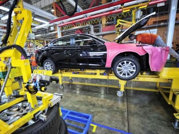 Выпуск легковых автомобилей в России в ноябре сократился на 27%
