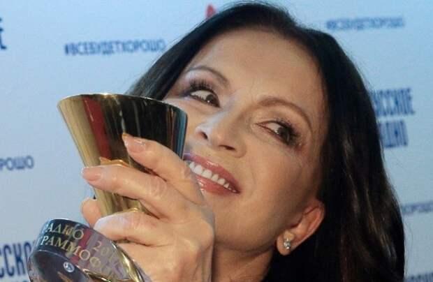 СМИ обнародовали райдеры Лолиты, Ротару и других звезд (ФОТО)