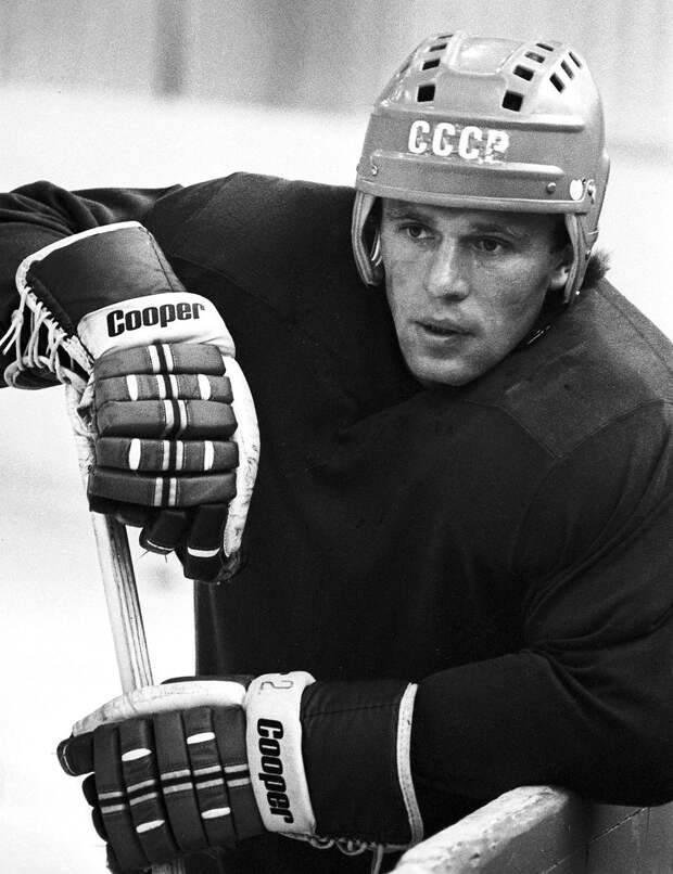 Овечкин влюбился в хоккейную форму, Третьяк ходил на плавание, Фетисов играл за ЖЭК. Как начинались карьеры звезд