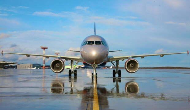 Подарок лета: билеты на перелет в Крым падают в цене