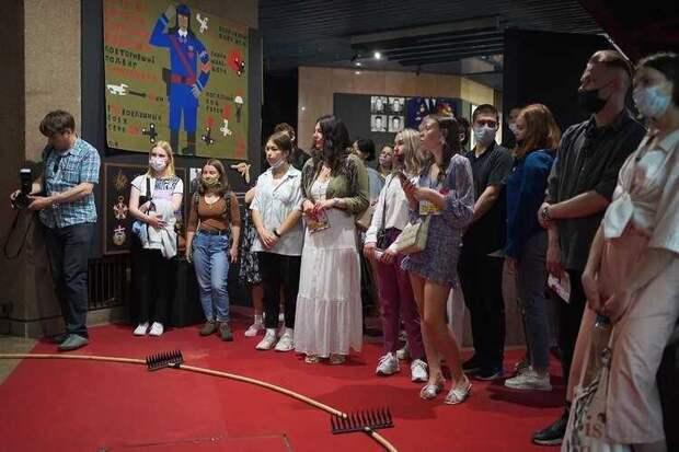 На XIV Красноярской музейной биеннале «Зеркальные нейроны» стартовал поддержанный РУСАЛом волонтёрский проект