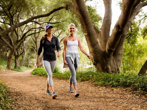 Сколько в день нужно ходить пешком — шагов или км. Можно ли похудеть от ходьбы