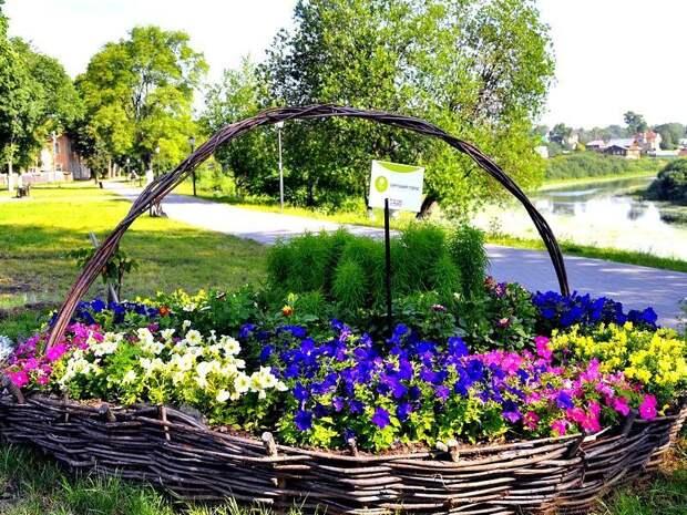 Идеи оформления садовых клумб