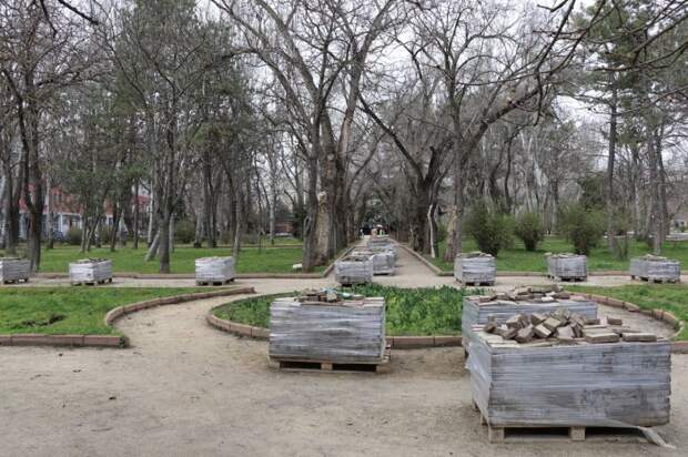 Сквер у фонтана «Доброму гению» станет комфортным общественным пространством