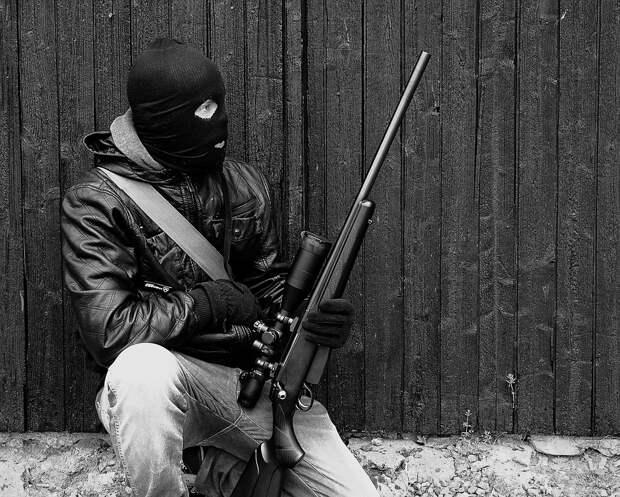 В украинском Луцке неизвестный захватил в заложники пассажиров автобуса