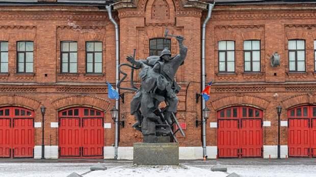 Памятник «Подвигу пожарных Ленинграда»