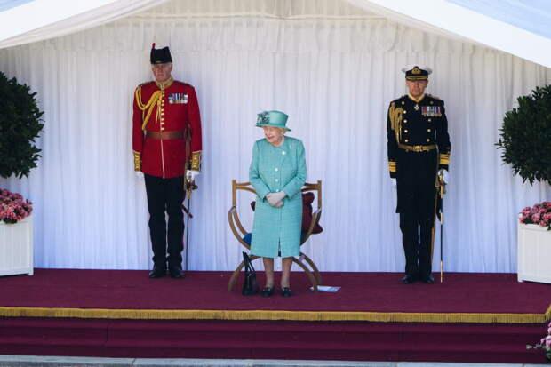Как Елизавета II встретит юбилей в связи с потерей мужа. Нарушит традицию