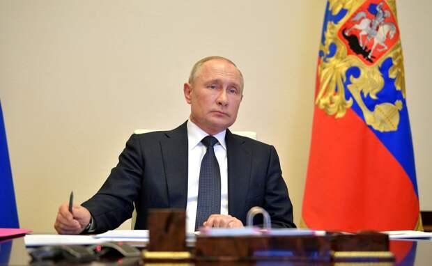 По 10 000 рублей на каждого ребенка с 3 до 15 лет включительно получат все дети России. Разово