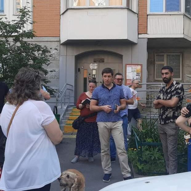 Подвалы в домах на Селигерской проверят на возможные подтопления