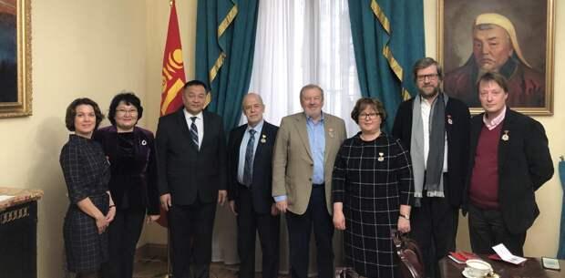 Сотрудники Валдайского клуба награждены медалями в ознаменование 80-летия Победы на реке Халхин-гол