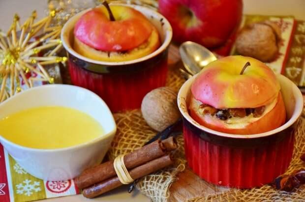 Наполните яблоки сладкой начинкой: получится очень вкусно!