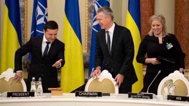 Российский дипломат объяснил, почему Киев настойчиво просится в НАТО