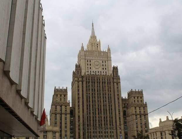 Посла США пригласили к помощнику президента Ушакову