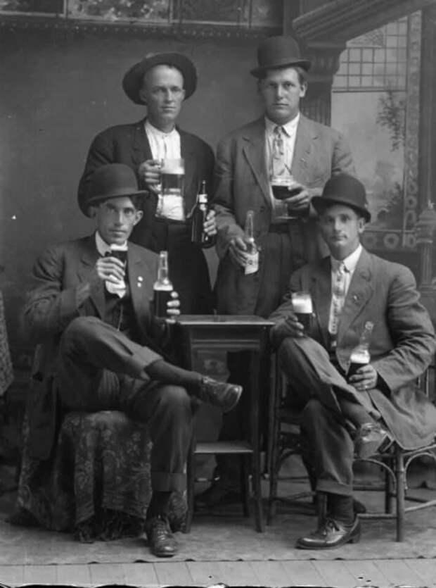 Викинги пили алкоголь, но пили его (как утверждают историки) не из обычных предназначенных для этого сосудов, а из черепов поверженных врагов