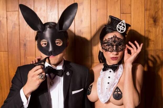 Шоу продолжается: элитный секс-клуб Snctm открывает новый сезон разврата в Нью-Йорке