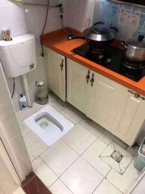 3. Горе-дизайнеры явно постарались сделать все максимально доступным, буквально на расстоянии вытянутой руки плита и туалет