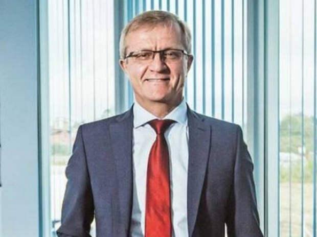 Калининградский депутат назвал «унизительной» зарплату губернатора в 180 тыс. рублей