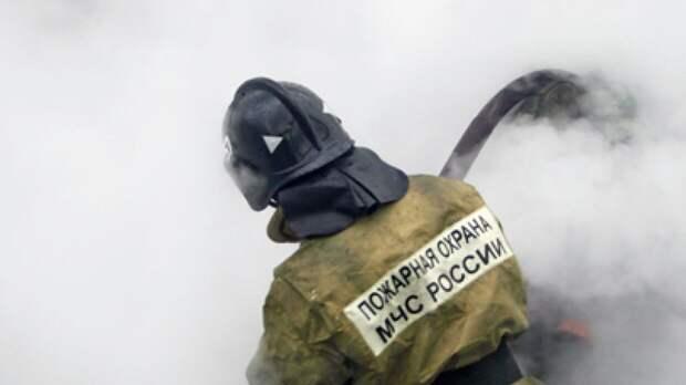 Пламя охватило 500 квадратных метров бизнес-центра «Золотое кольцо» в Москве