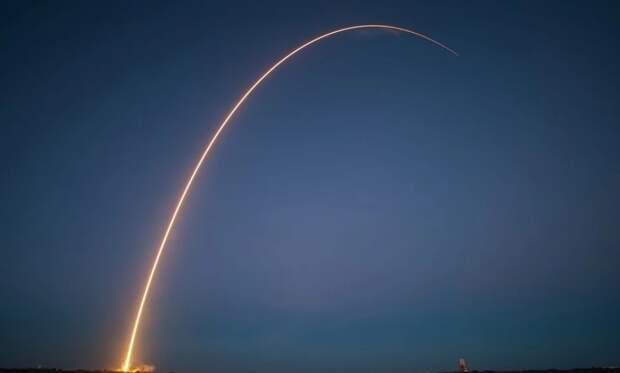 Базу США в Сирии обстреляли ракетами