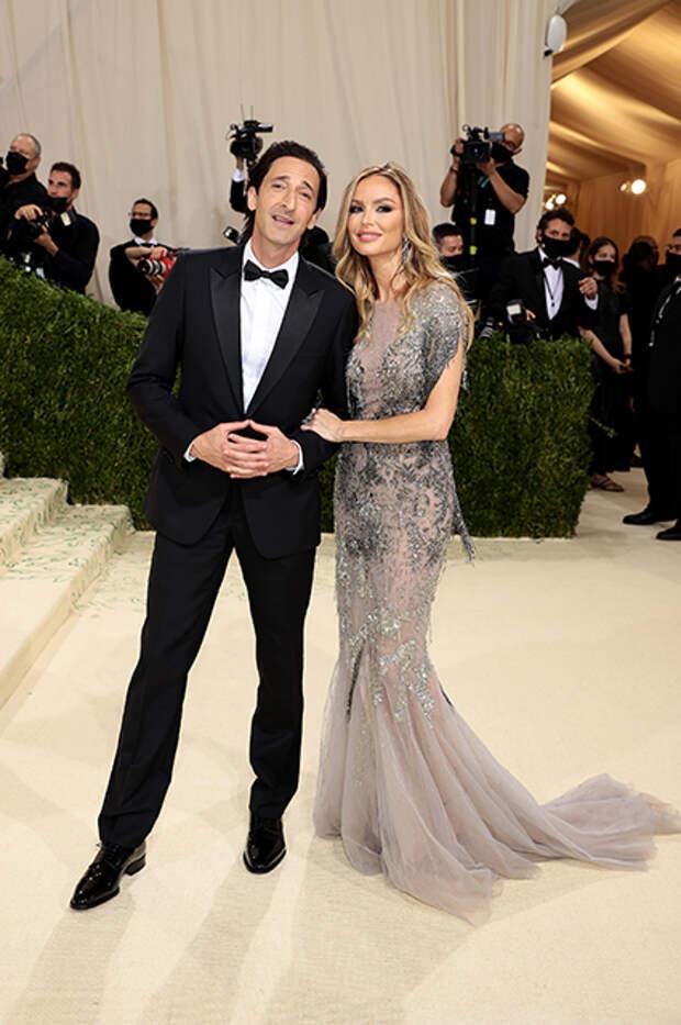 Эдриан Броуди в Dior Men и Джорджина Чапман в Marchesa