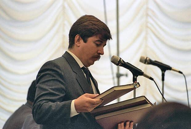 Член Совета безопасности России Сергей Шахрай на заседании Конституционного суда, 1992год