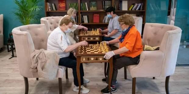 Собянин: Сеть клубов для москвичей старшего поколения активно развивается