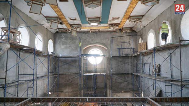 Реконструкция караимской кенассы в Симферополе завершена на 80%