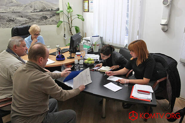 На приеме председатель коктебельского «Гражданского актива» Борис Яремко