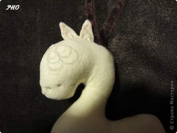 Как сшить лошадку - символ 2014 Нового года. Мастер-класс (19) (520x390, 95Kb)