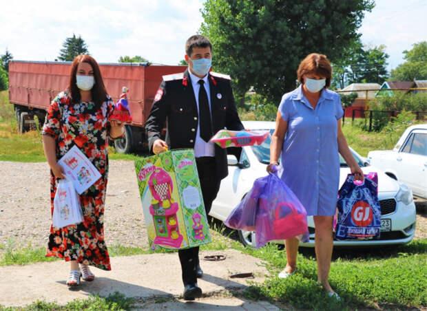 Мы вместе, а значит сильнее: казаки-волонтеры спешат на помощь