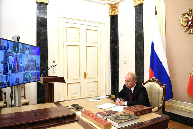 Путин указал на недопустимость оскорбления чувств верующих