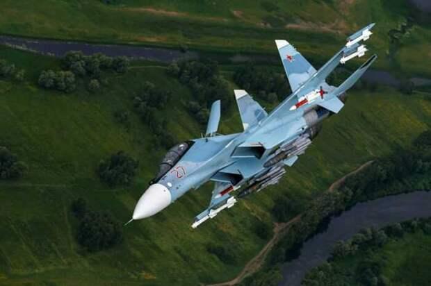 Су-30 ВВС Белоруссии отогнали истребители НАТО на несколько сотен километров
