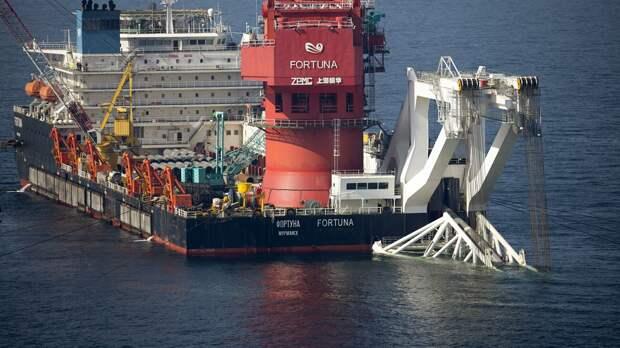 Mногоцелевое судно Фортуна во время трубоукладочных работ в водах Дании - РИА Новости, 1920, 21.09.2021