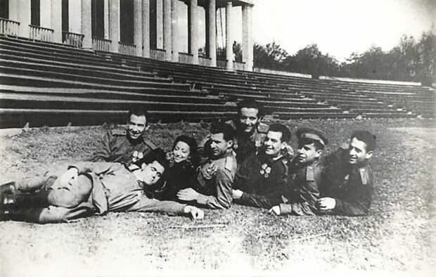 Эта фотография в материалах о жизни Африки де Лас Эрас на сайте СВР приведена без подписи. 1945 год? © Собрание СВР России