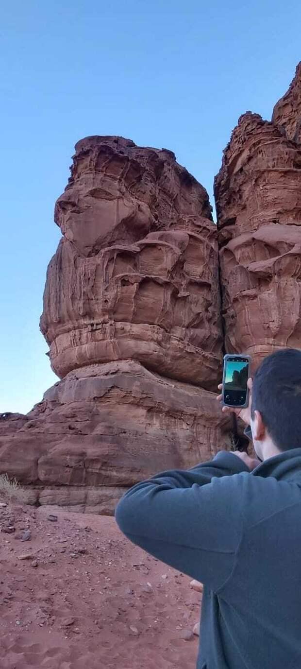 где-то в пустыни Вади-Рам