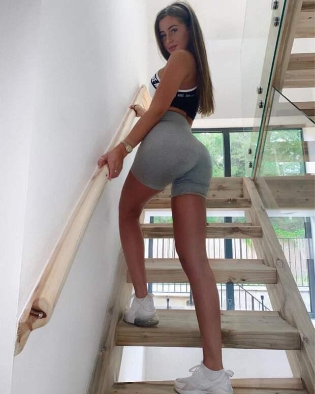 Шаг вперед, красотки! Новая сексуальная поза покоряет Инстаграм